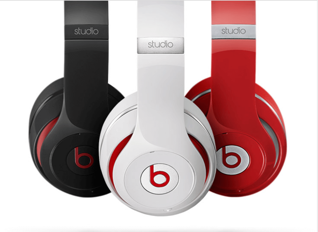 Beats Studio 2013 by Dre close