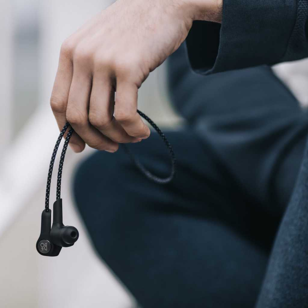 Bang & Olufsen Beoplay H5 Review